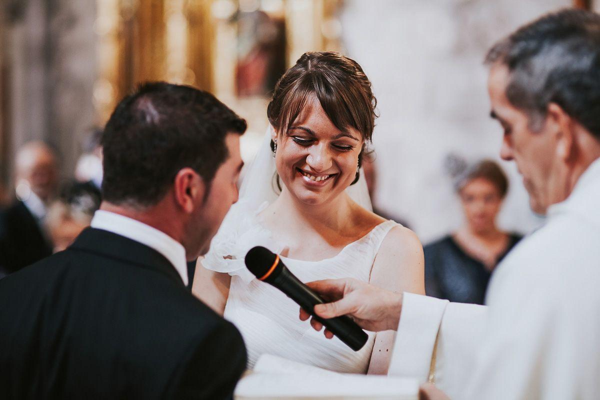 novia sonriendo en su boda - fotografías boda Valladolid