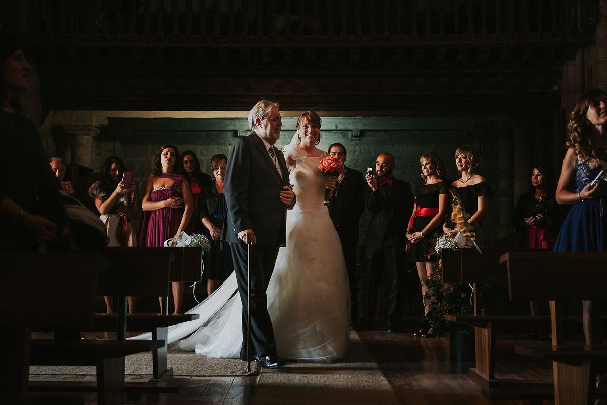 Entrada de la novia en la iglesia - bodas en Valladolid