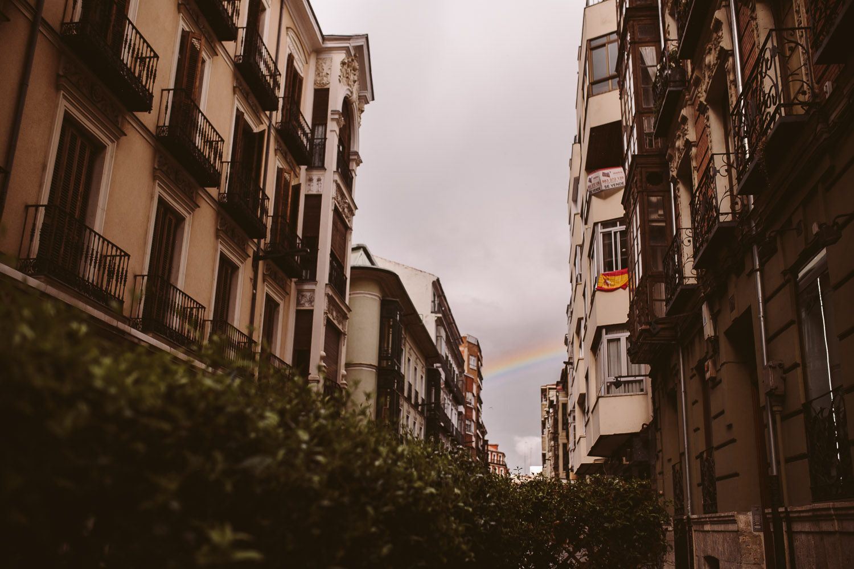 Arco iris en fotografia de preboda Valladolid