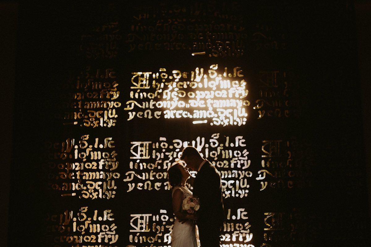 Reportaje de pareja en el Convento de Mabe, boda en Palencia.